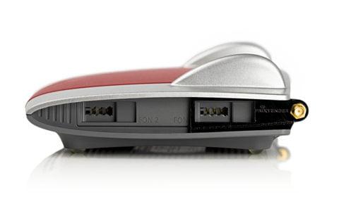 FRITZ!Box 7390 mit FriXtender Halterung für externe WLAN Antennen rechts